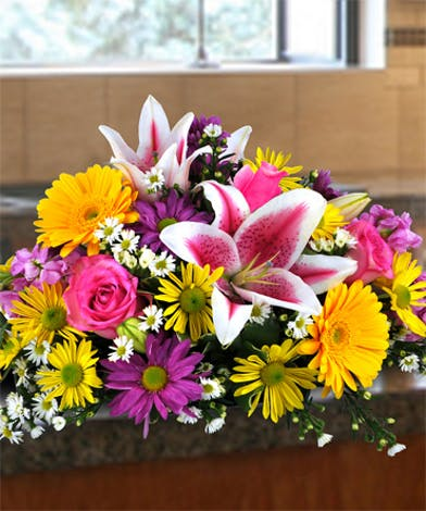 Easter Centerpiece with spring flowers for round tables