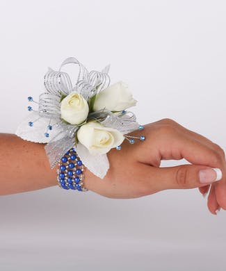 Blue Skys Three Sweetheart Rose Wrist Corsage